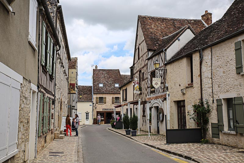 Средневековый город Провен в 100 км от Парижа