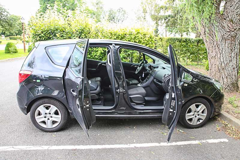 Прокатный автомобиль Opel Meriva