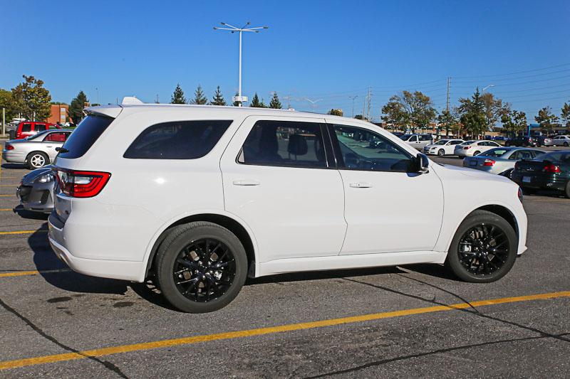 Автомобиль Dodge Durango - аренда авто в Торонто