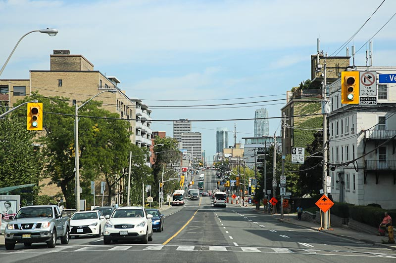 Городская улица в Торонто