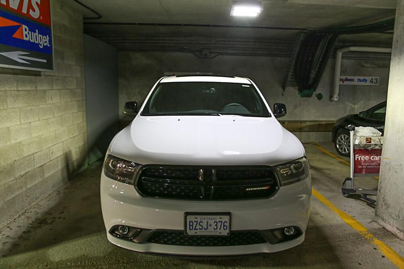 Автомобиль Dodge Durango в аренду в Канаде
