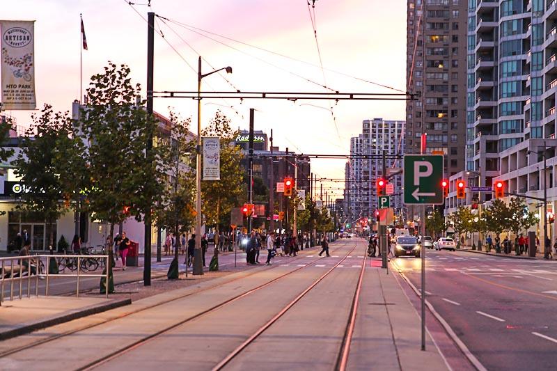 Аренда авто в Канаде - Парковки в центре Торонто